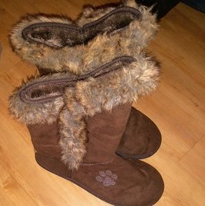 Paw Print Sz 11 Brown Fur Lined Boots